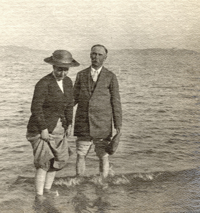 Maude and Edmund Bentall by the sea